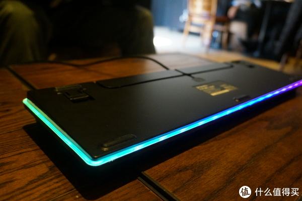 #开箱晒物#全是灯的机械键盘——达尔优(dareu)EK925暗夜流光108键幻彩键盘