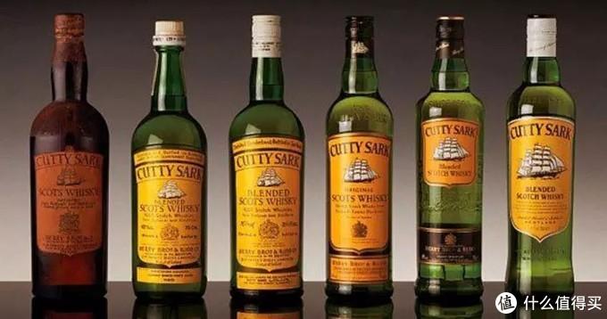 历代Cutty Sark苏格兰威士忌的酒瓶,最左边的是禁酒令时代的版本