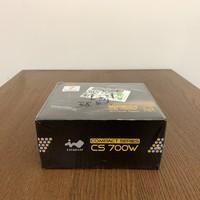 迎广CS700W SFX电源外观展示(本体|转接架|插头|风扇罩|接口)