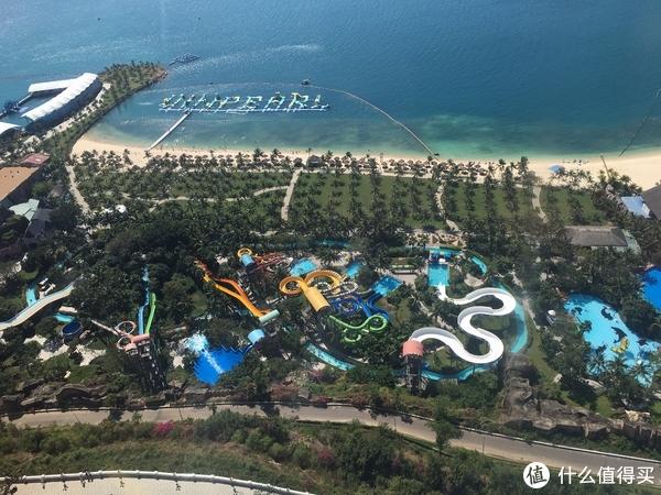 摩天轮上俯瞰——水上乐园区