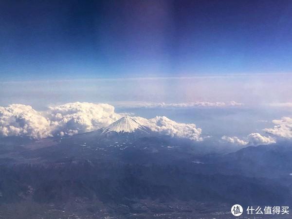 回国飞机上看到的富士山,祝大家2019好运!🍀