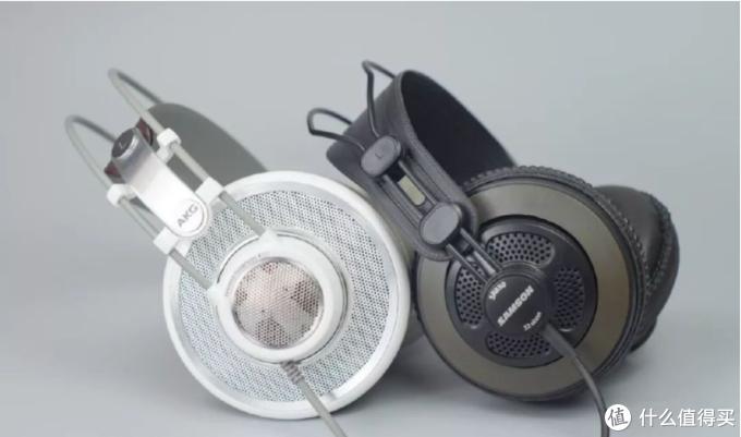 采用自适应头带的监听耳机