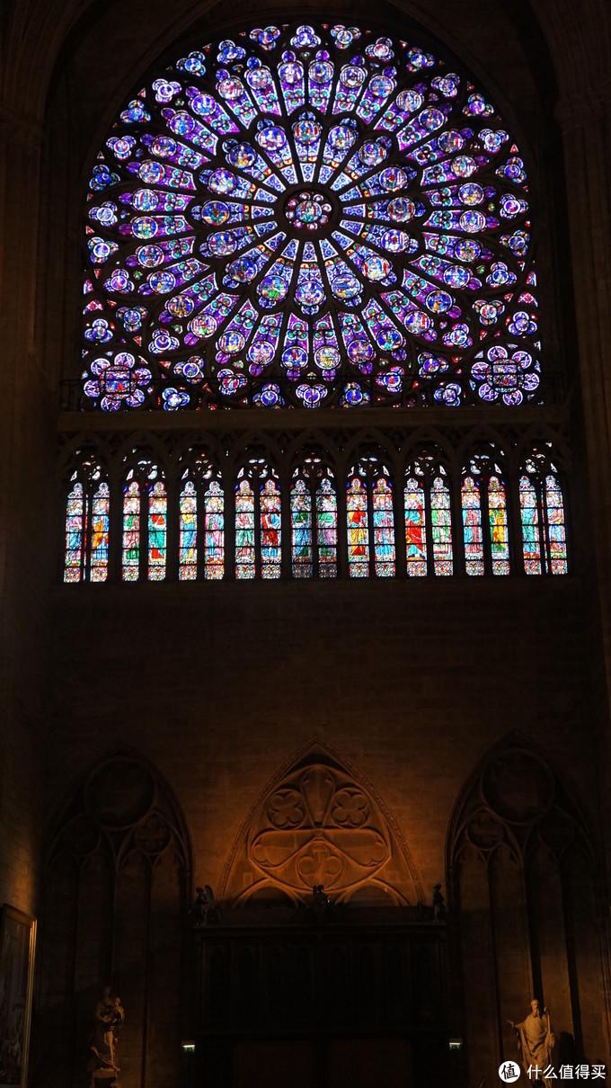 精美的彩窗
