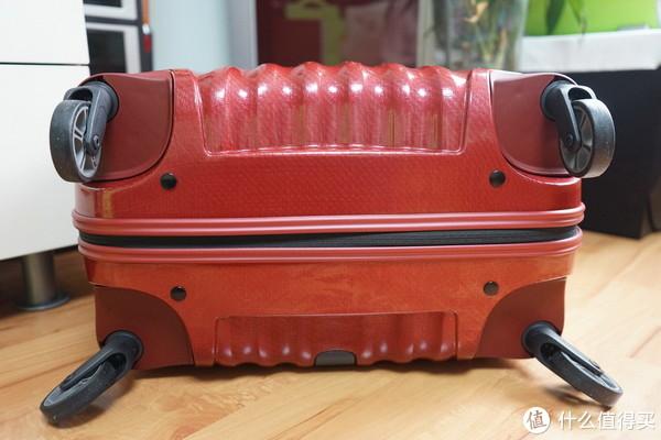 "超轻的""红贝壳"":Samsonite 新秀丽 Cosmolite系列 V22 红色25英寸拉杆箱"