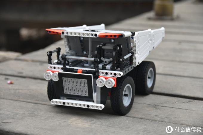怀揣一个包工头的梦想,米兔积木矿山卡车上手体验