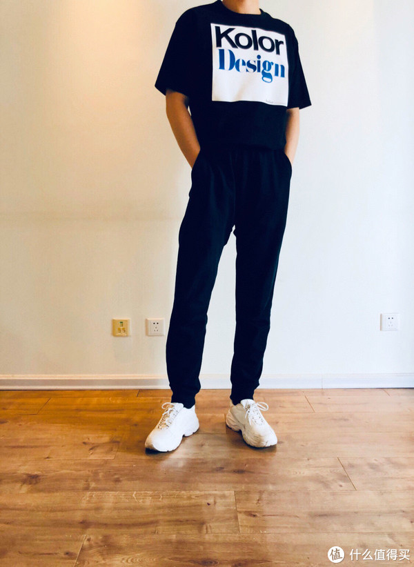 T:Kolor/裤子:MUJI /鞋子:ZARA