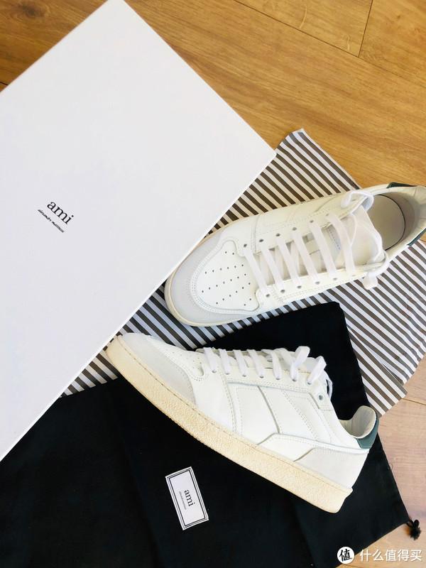 鞋子:AMI