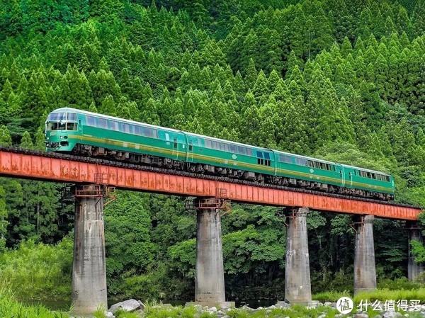 一张票畅游九州,火遍ins的小火车旅行又浪漫又省钱