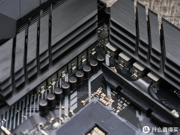 TUF MATX升级款?华硕B450M TUF PRO GAMING开箱测试
