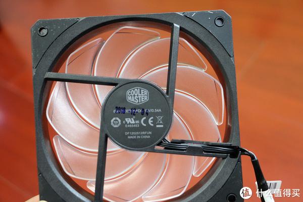 带ARGB控制器,多一点光污染——酷冷至尊海魔240G和SF120R ARGB风扇开箱