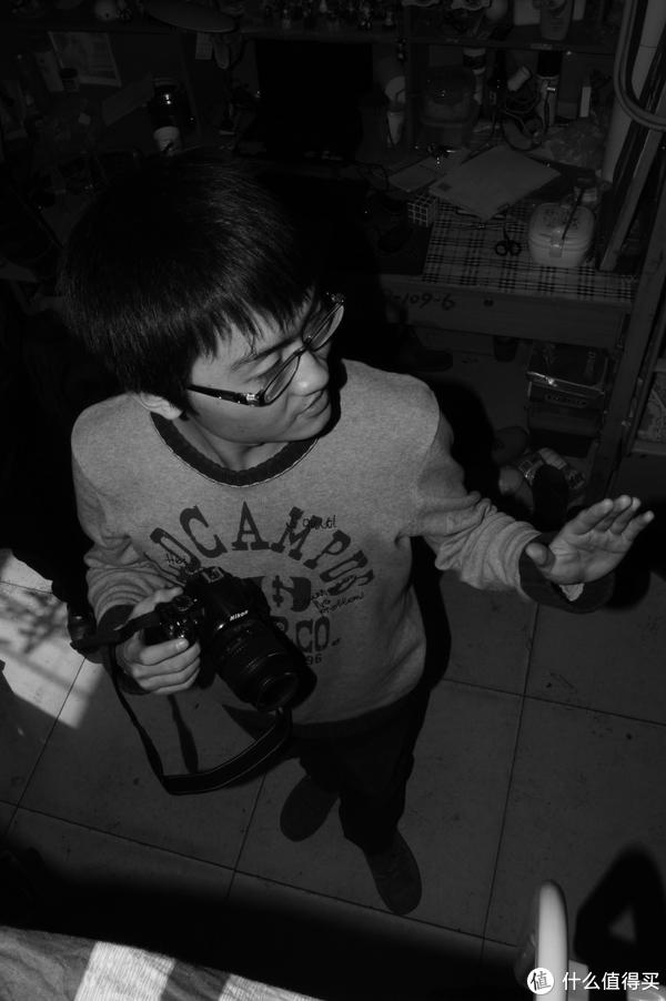 一天天得宿舍里吸相机