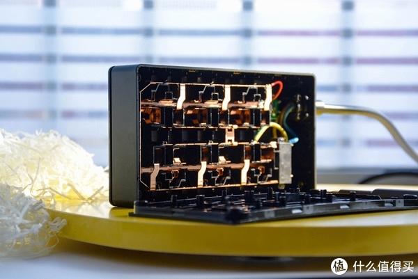 航天插座制造商上线小米有品,突破6位插线板2位转换器拆解