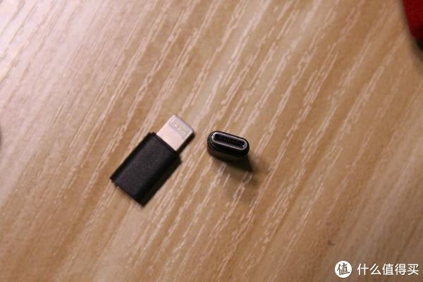 nineka南卡充电宝,小巧便携的无线充电宝