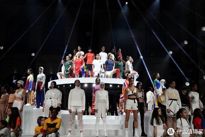 28位女足精英齐聚巴黎:NIKE 耐克 发布 女足世界杯国家队队服