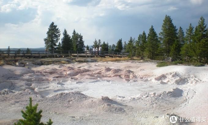 超全攻略,吐血整理!这个酷到爆炸的美国国家公园,内有超大火山口、上万个温泉和几百种野生动物