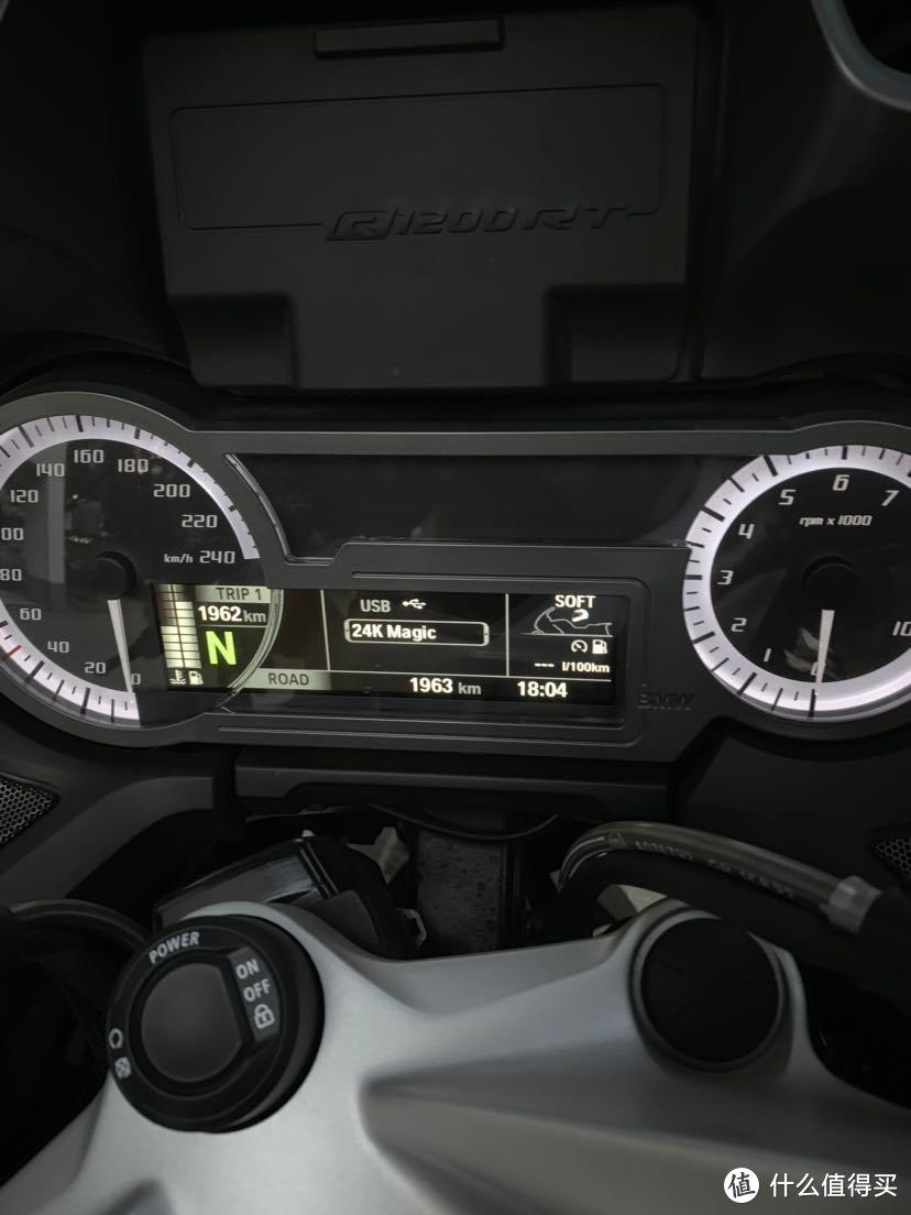 新手2个月换车,BMW R1200RT 首晒
