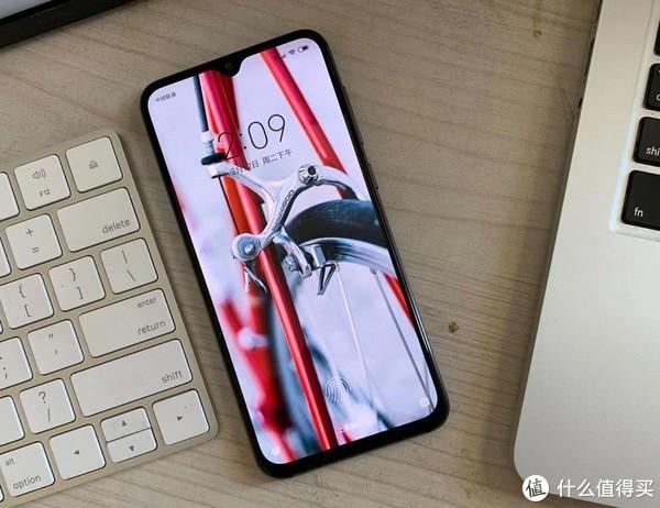 小米9SE,手感好的不像话,对比之下iPhone X手感也不过尔尔!