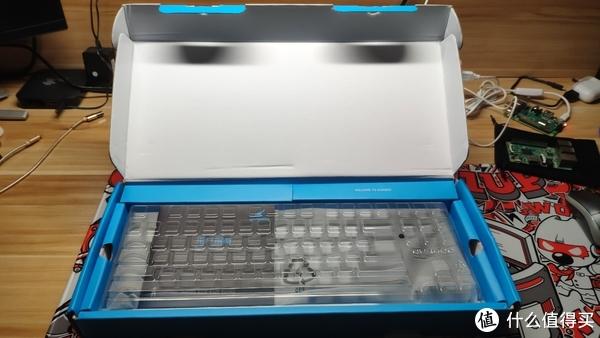 防尘盖,不知道算店家送的还是键盘自带的