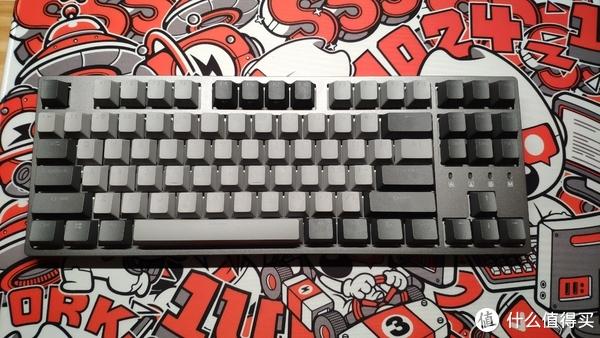 键盘本盘了,灯光直射反光,拍照看不清刻字