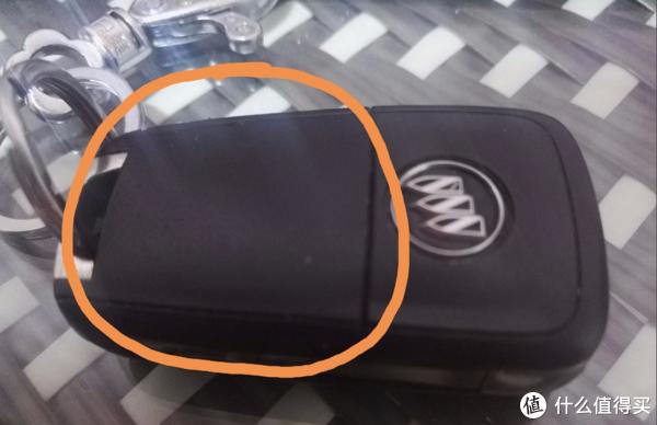 4S店电池换不起,自己动手换别克的电池