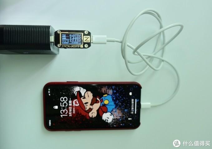 旅行好帮手,充电宝+充电器头二合一,选Anker还是选斯泰克?