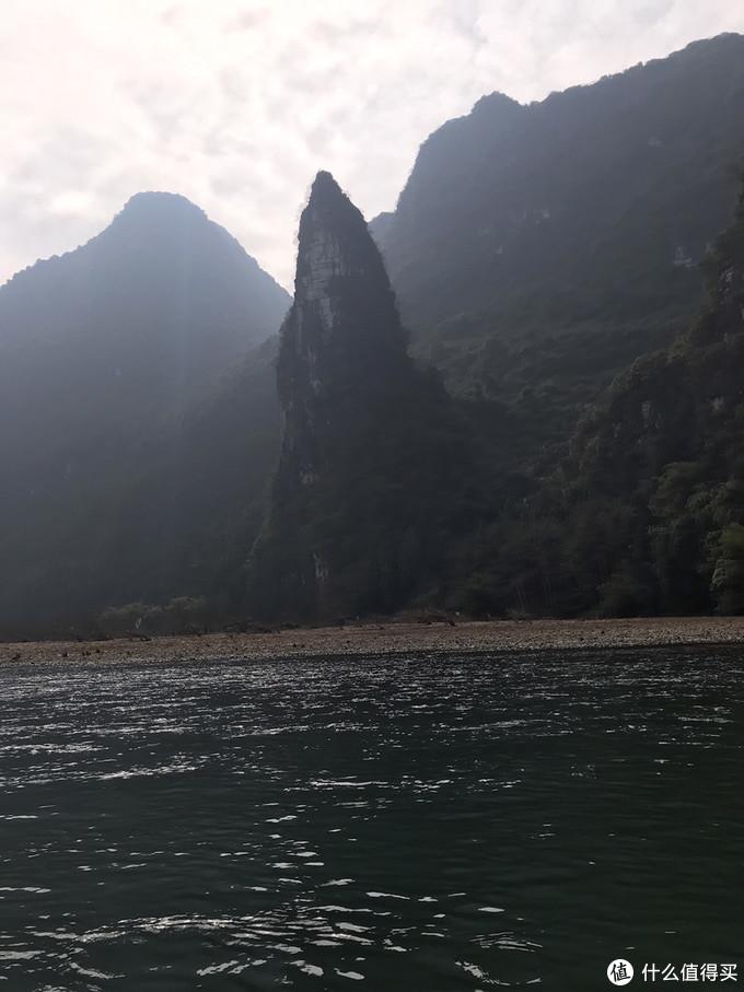 漓江山水就壮丽多了