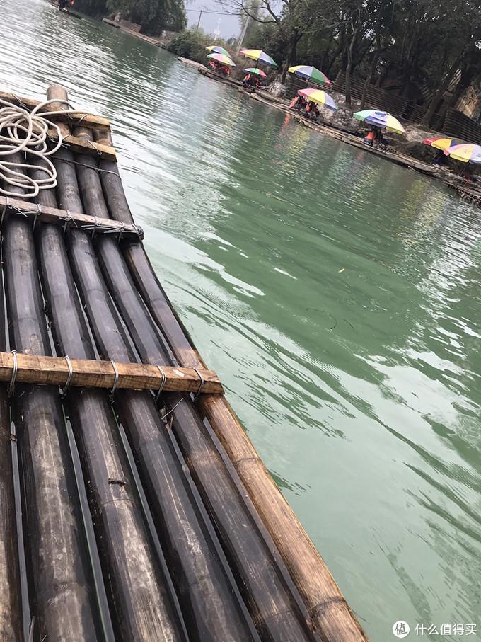 竹筏比较有特色,有可能会湿脚