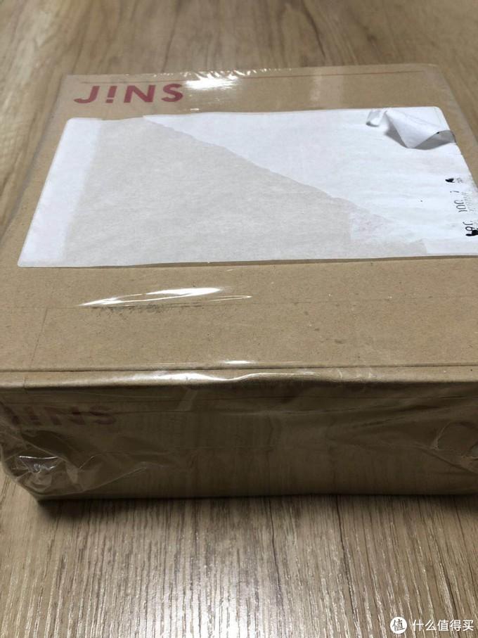 纸箱包装还算完好