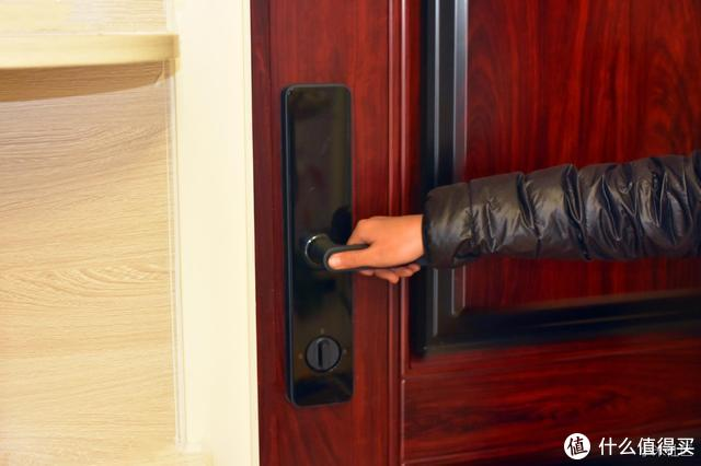 米家智能门锁可能是千元级别最好的,唯一的缺点就是要抢购