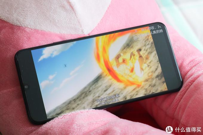 Monster inside,惊艳的全面屏,第一台vivo手机——iQOO超乎想象