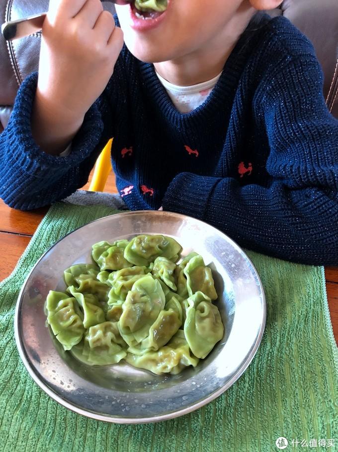 家里小吃货的打卡-三全 儿童水饺 虾仁胡萝卜口味 开袋试吃