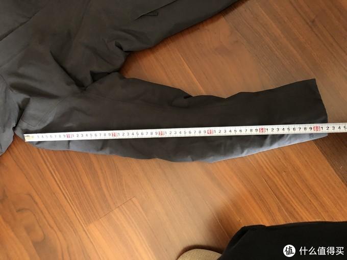 外国人普遍比国人的手臂长度要长,所以这里有60cm!