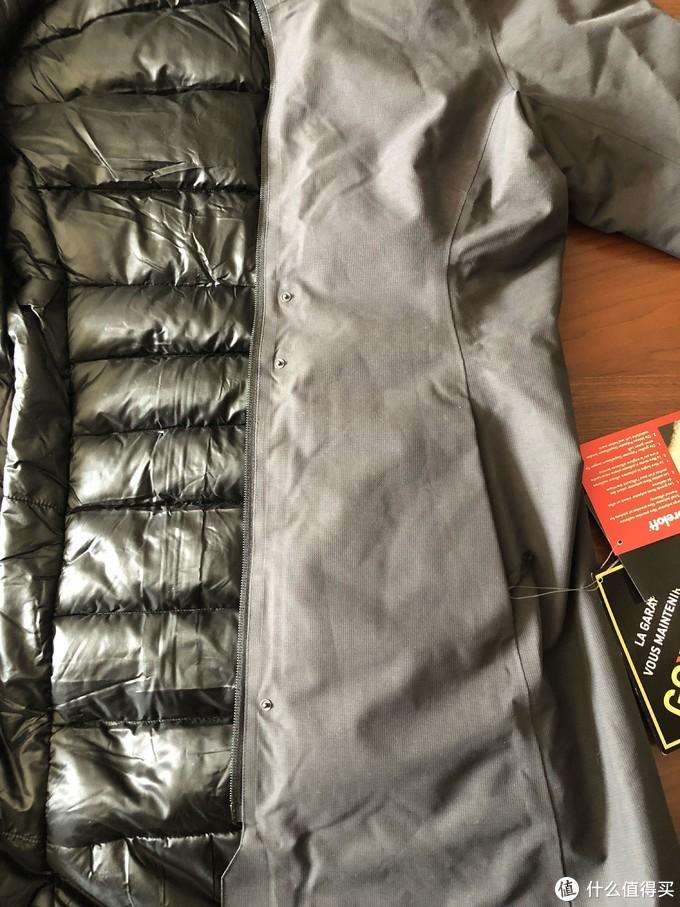 虽说我买的是黑色的,但是它的黑色是黑灰绝对不是全黑的!