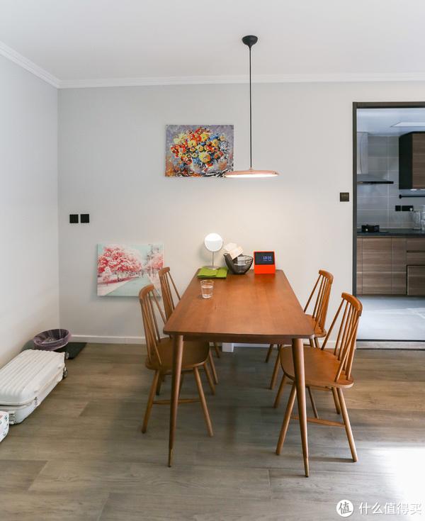 56㎡一室一厅变身两室一厅,室内开个窗让小家看起来大了一倍