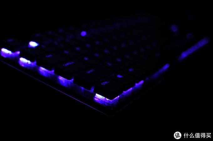 一台坏显示器引发的折腾?明基ScreenBar Plus+酷冷键鼠打造适合小户型的多功能桌面