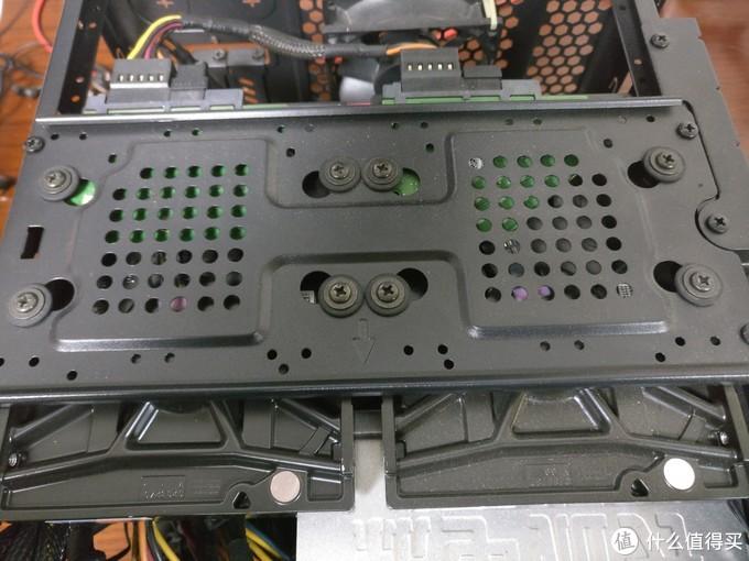 硬盘螺丝细节