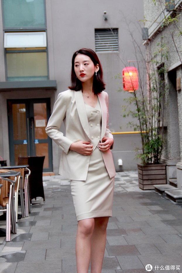 VBC PLAIN SUITS系列米色女套装
