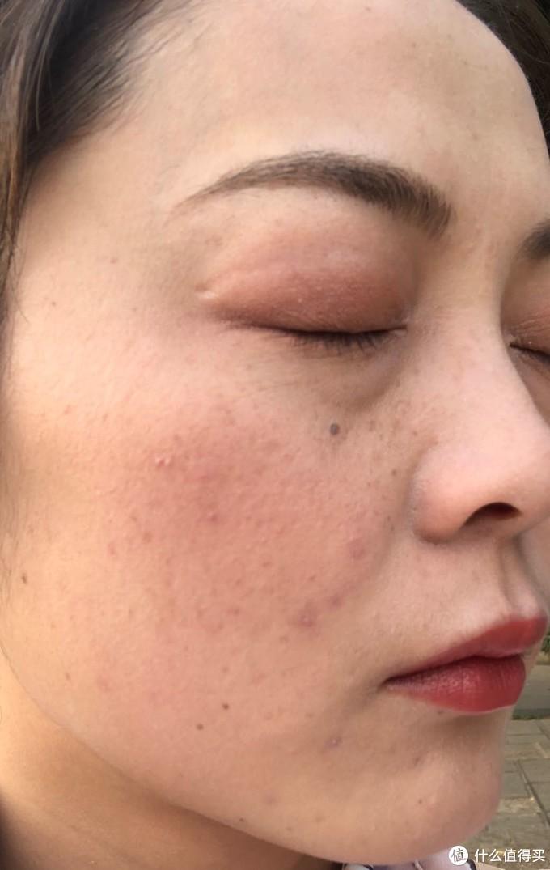 你们想遮的我都有,沙漠瑕疵皮的粉底测评篇4:雅诗兰黛白金粉底液
