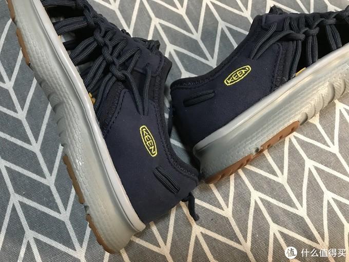 KEEN UNEEK O2 溯溪童鞋