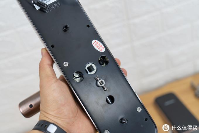C级锁芯、6种方式开门安全又方便,斑点猫W500物联网指纹锁体验!