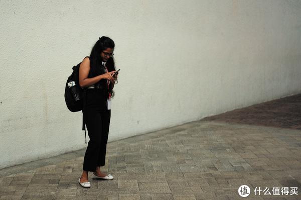 这位印度小姐姐一看就是it程序员,别问我怎么知道是印度小姐姐!什么是程序员!我就是知道!