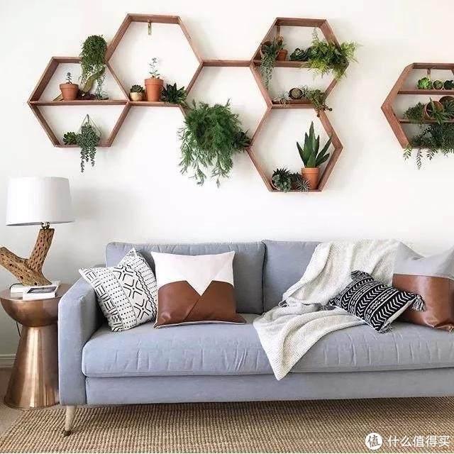 如何用100块打造高颜值沙发墙?