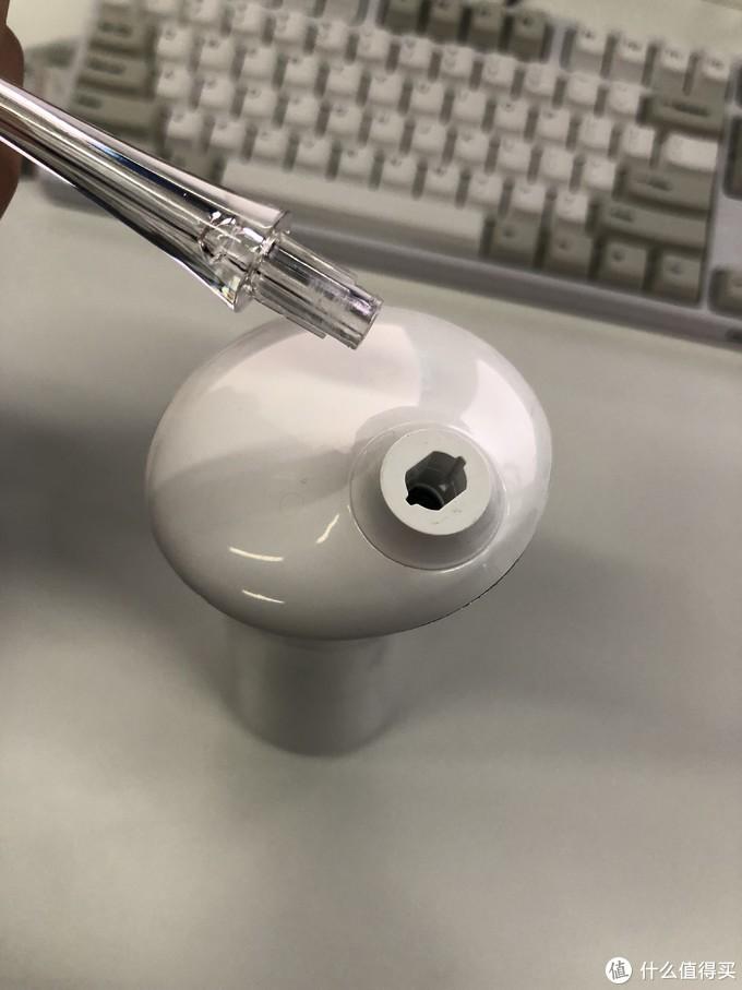 考拉工厂店便携电动冲牙器与某品牌的简单对比