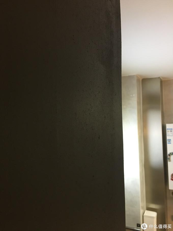 黑板墙选择   想有个乱涂乱花的墙壁?想有个可以留言的个性黑板?且看3款黑板墙评测对比