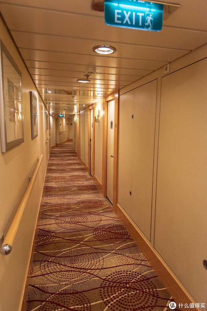 这里的走廊静悄悄