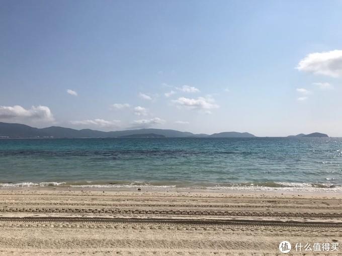 一大早被清理过的沙滩