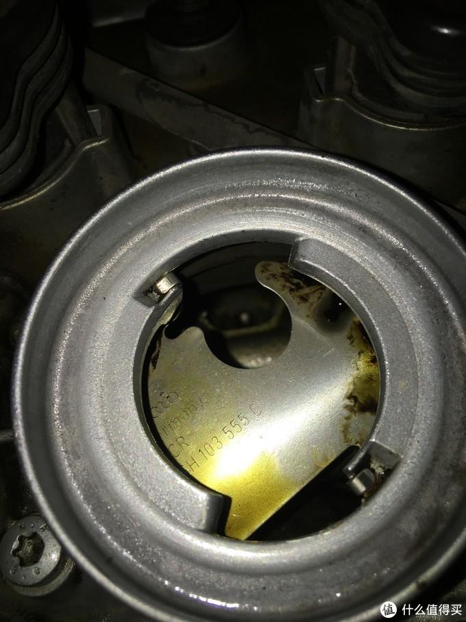 EA888机油注入口,很脏了..