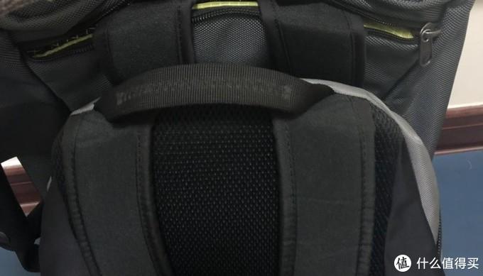 "Tom Bihn synapse-25 徒步旅行和日常用品的""一体""背包"