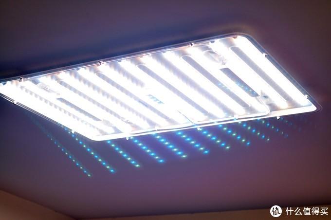单调简单的客厅灯光?Yeelight新款纤玉智能吸顶灯入手体验。