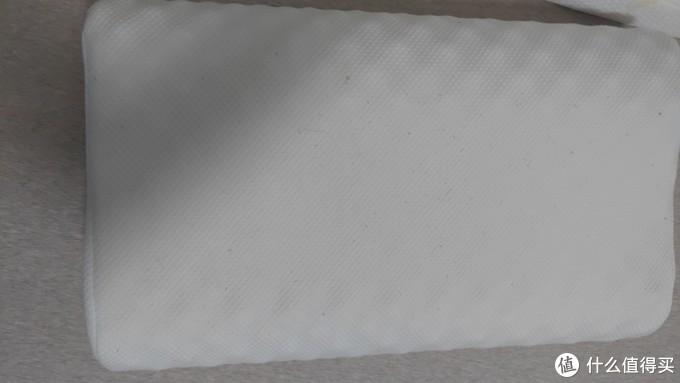 打骨折价79元买的当当优品乳胶枕,与199元的网易严选乳胶枕使用感受